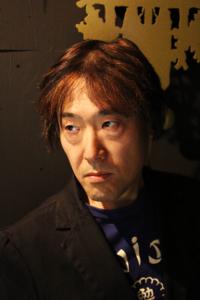 土橋安騎夫